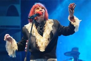 Rita Lee segura público até o fim da festa de aniversário de São Paulo